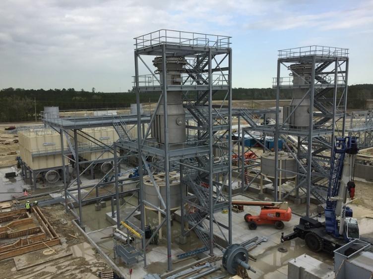 سازه ها، راه پله ها و گریتنیگ مجتمع های صنعتی